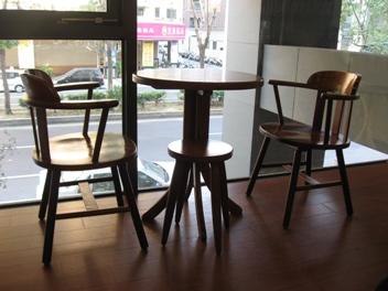 目覺咖啡二樓的兩人座.JPG
