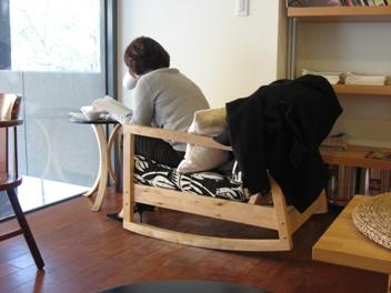 目覺咖啡二樓的單人沙發座.JPG