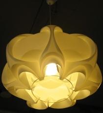 目覺咖啡天花板上的燈.JPG