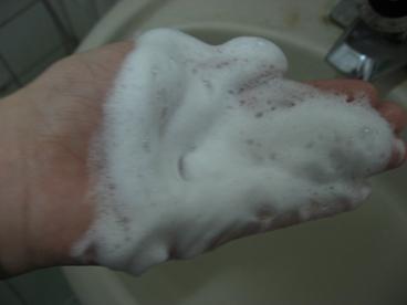 新肌密 潔膚皂起泡後的量.JPG