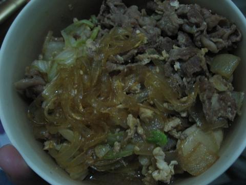 20090421晚餐-炒寬冬粉+牛肉+高麗菜.JPG