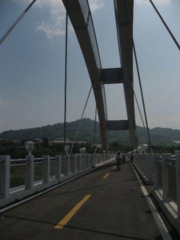 大甲溪上的橋墩.JPG