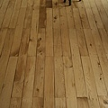 鋪設完成的地板