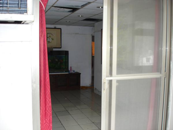 裝潢前的客廳