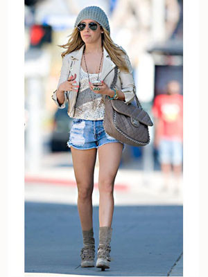 Ashley-Tisdale_image_300_400.jpg