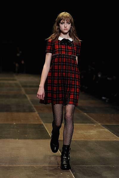 MOD_W11_Saint-Laurent_plaid