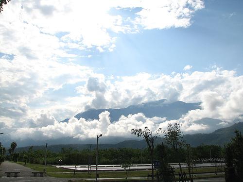 雲中島.jpg