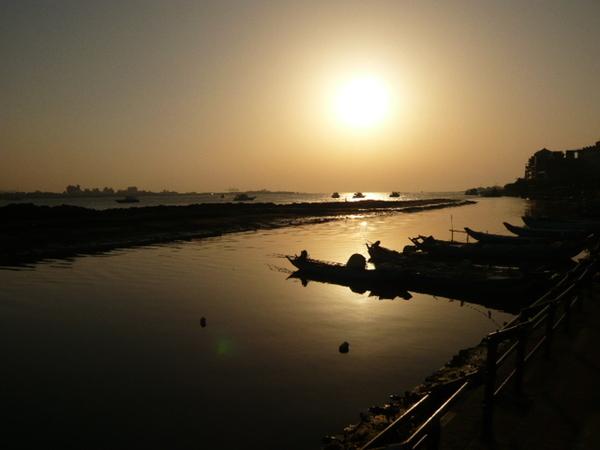 波濤與斜陽的召喚:夕陽很強