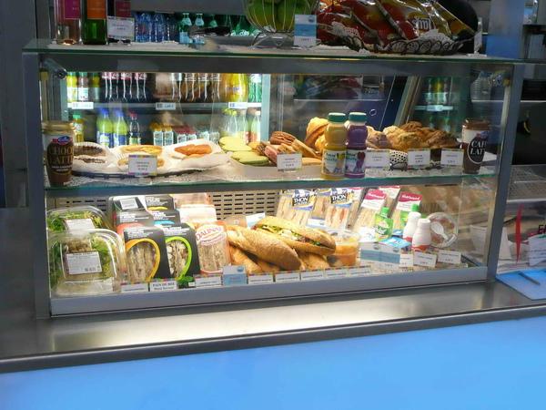 看起來十分美味可口的法式麵包....但當你吃了十天之後,也許就不會這麼想了.jpg