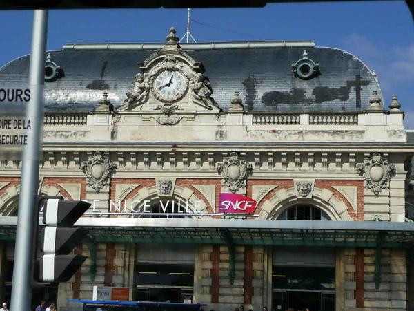 途經尼斯火車站.jpg