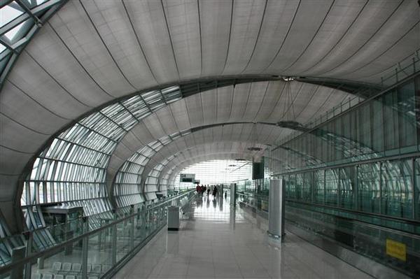 曼谷蘇瓦那布呼米國際機場