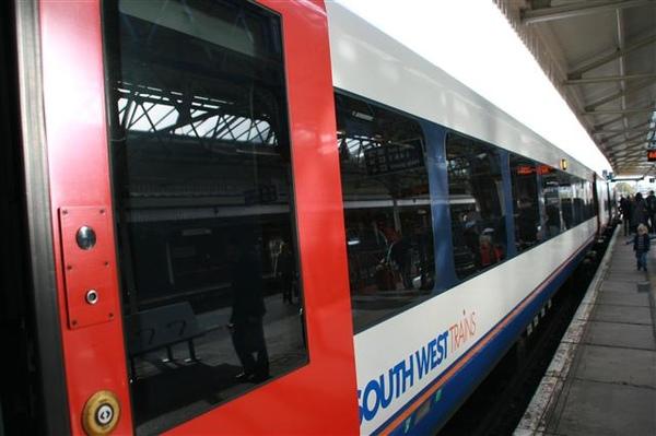 坐火車去倫敦玩