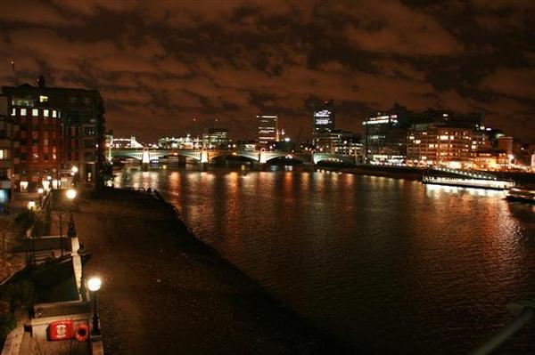 泰晤士河夜景