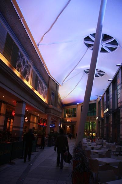 Mall中的美食街