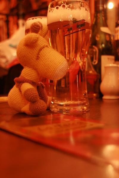 鹿鹿未滿18歲不能喝酒