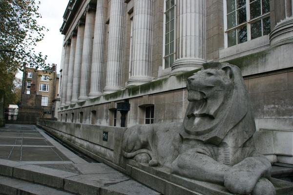 大英博物館後門