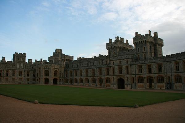 城堡的中庭