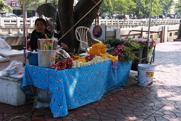 賣祭拜花的攤子