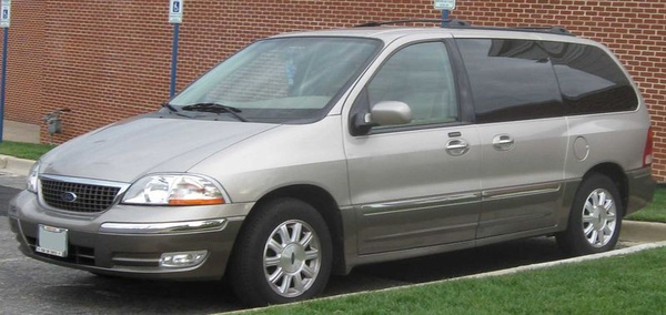 800px-2001-2003_Ford_Windstar_Limited.jpg