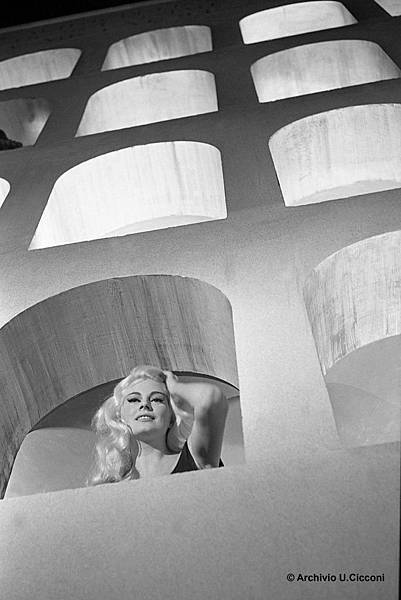 2_Scene from the film Le Tentazioni del Dotto Antonio by Federico Fellini_copyright Archivio U. Cicconi.jpg