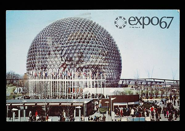 8._Postcard_from_the_Montreal_World_Expo_1967__Photograph_Victoria_and_Albert_Museum_London.jpg