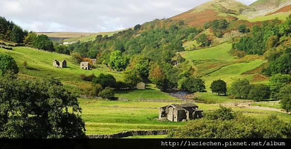 Stone Fence, Yorkshire Dales, England3.jpg