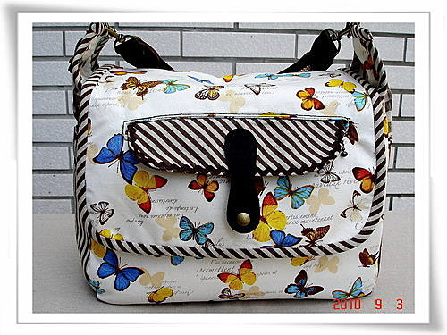 蝴蝶飛側揹包