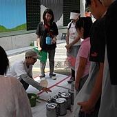 幸福藤-台北資訊園區-圍籬彩繪-現場指導.jpg
