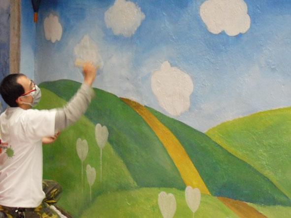 幸福藤 牆壁彩繪-為榮光育幼院義務彩繪-彩繪情況03.jpg