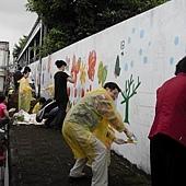 牆壁彩繪、手繪壁畫、壁畫工程、兒童房彩繪、彩繪工程、彩繪藝術、壁畫藝術、牆面設計、家飾彩繪--員工.親子彩繪實況-05.JPG