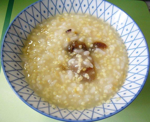龍眼小米粥