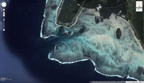 衛星拍到的超逼真巨型海底瀑布5-600x349.jpg