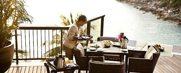 Banyan-Tree-Samui-Dining-In-Villa-Dining-1170x470