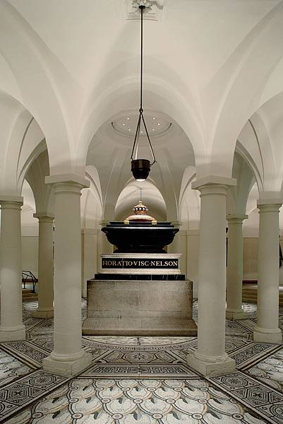 Nelson_Chamber_in_the_crypt_of_St_Paul's_Cathedral