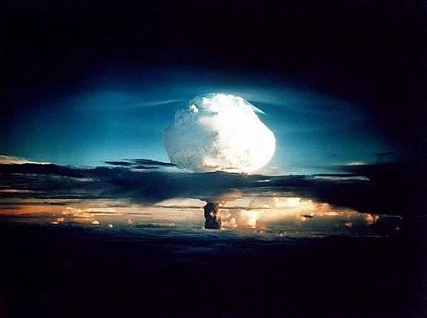 核彈試爆2.jpg