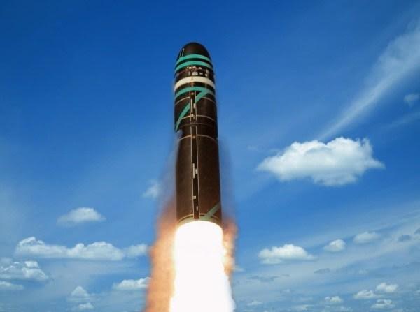 陸地核彈發射2.jpg