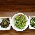 酸菜跟醬料自取