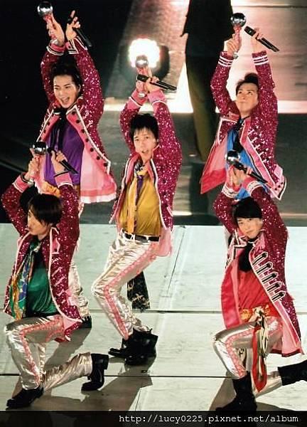 ARASHI LIVE TOUR LOVE 03.jpg