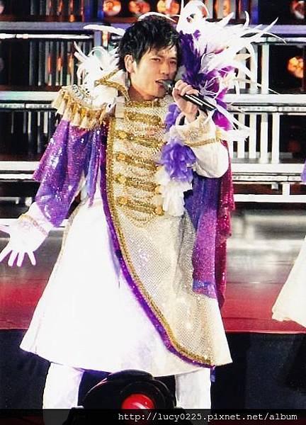 ARASHI LIVE TOUR LOVE 06.jpg