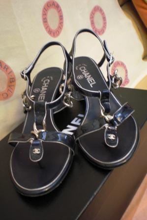 Chanel logo 粗跟涼鞋 size37