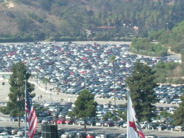 球場外停車場