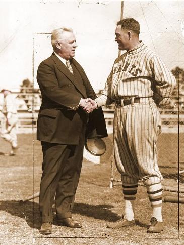John McGraw n Rogers Hornsby. baseball-fever_com