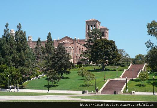 23-綠草如茵的UCLA.JPG