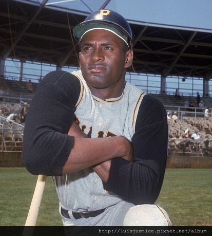 roberto clemente channel2_typepad_com.bmp