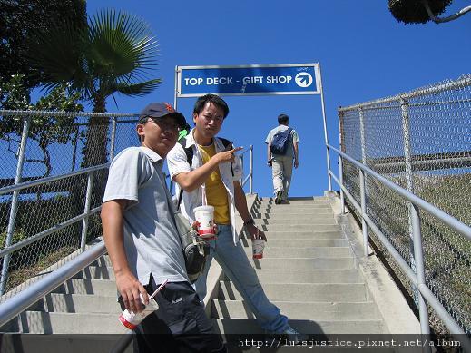 10-道奇球場爬樓梯.JPG