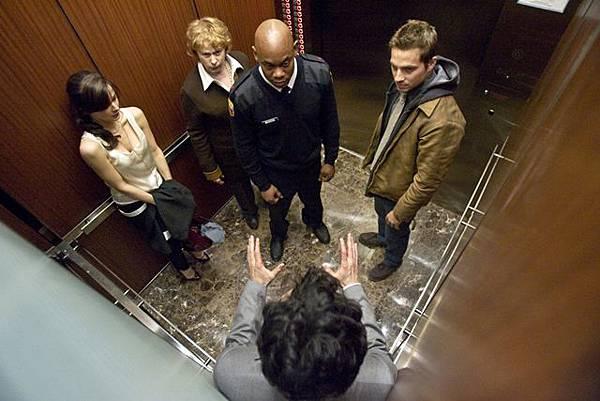 惡靈電梯2.jpg