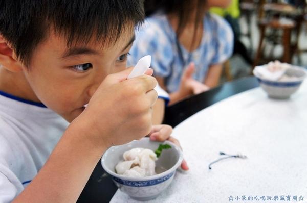 液香扁食店:【花蓮】好大一顆液香扁食,辣不辣都好吃!