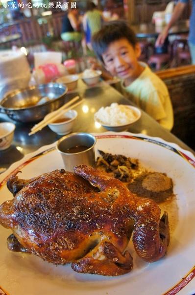 台灣古早味甕窯雞(礁溪總店):【宜蘭】路邊古早味甕窯雞,龍眼木烤出好味道!