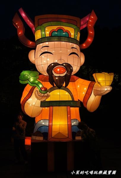 2013台北燈節:【台北】2013台北燈節在花博,蛇斑斑超吸睛!(夜晚篇)