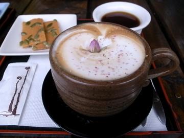山行玫瑰-招牌玫瑰咖啡
